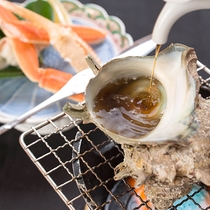 *【夕食カニ・サザエ】【竹】人気の蟹とサザエの磯焼はお好みの醤油加減で香り高く焼き上げて
