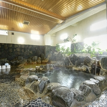 *【温泉】温泉が強いと感じたらお隣の普通のお湯で一休み。