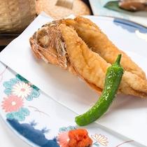 *【夕食一例】駿河湾で獲れた海鮮を様々な調理法でお楽しみいただけます。