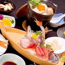 *【夕食一例】「梅」船盛りはお1人につき1隻ずつご提供なのでお取り分け無しでお楽しみいただけます。