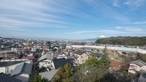 *【客室一例/お部屋からの眺望】客室と天候によってはお部屋から富士山が見える事もございます。