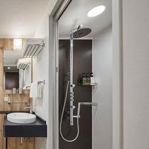 <シャワールーム>旅慣れたお客さまの旺盛な宿泊ニーズに対応するプレミアムシャワーブース