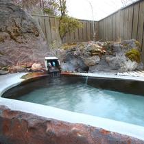 四季折々の癒しの風景を感じながらご入浴いただける露天風呂です。九重の大自然を存分に味わってください。