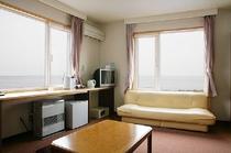 【本館】和室7.5畳(海側)|バス&シャワー付き
