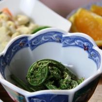 【夕食】自家製の小鉢