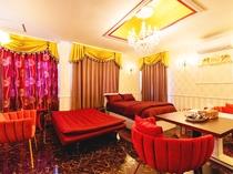 【洋室】ソファベッド利用で4名様までご宿泊可能です。