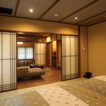 お部屋 2階半露天付客室 赤絵