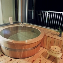 客室露天風呂 (814号室)
