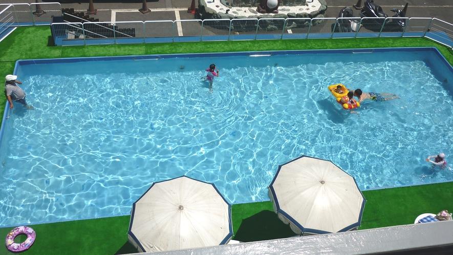 夏休み期間は無料プール開催中