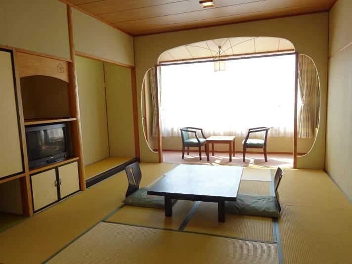10畳標準客室 西側