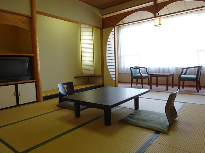 10畳標準客室 東側