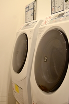 <2階>全自動ランドリー(有料)※洗剤、乾燥込み