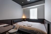 『客室』 ◇ベルケンダブル◇ 広さ14.02㎡ / ベッド幅163㎝ サータ社製ベッド完備 <禁煙>
