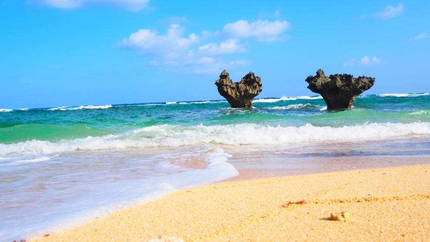 【ハートロック】北部エリア、古宇利島にある人気の観光スポットです。