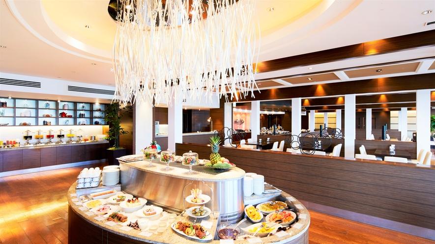 【AVANCER】県産食材を豊富に利用した沖縄料理も絶品です。