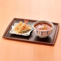 朝食 天ぷらうどん(温)