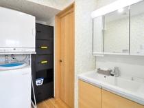 【奥側1F】洗濯機・乾燥機・洗濯洗剤は無料でご利用いただけます。