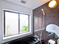 【フロント側1F】浴室は、ジャグジーのご利用も可能となっております。
