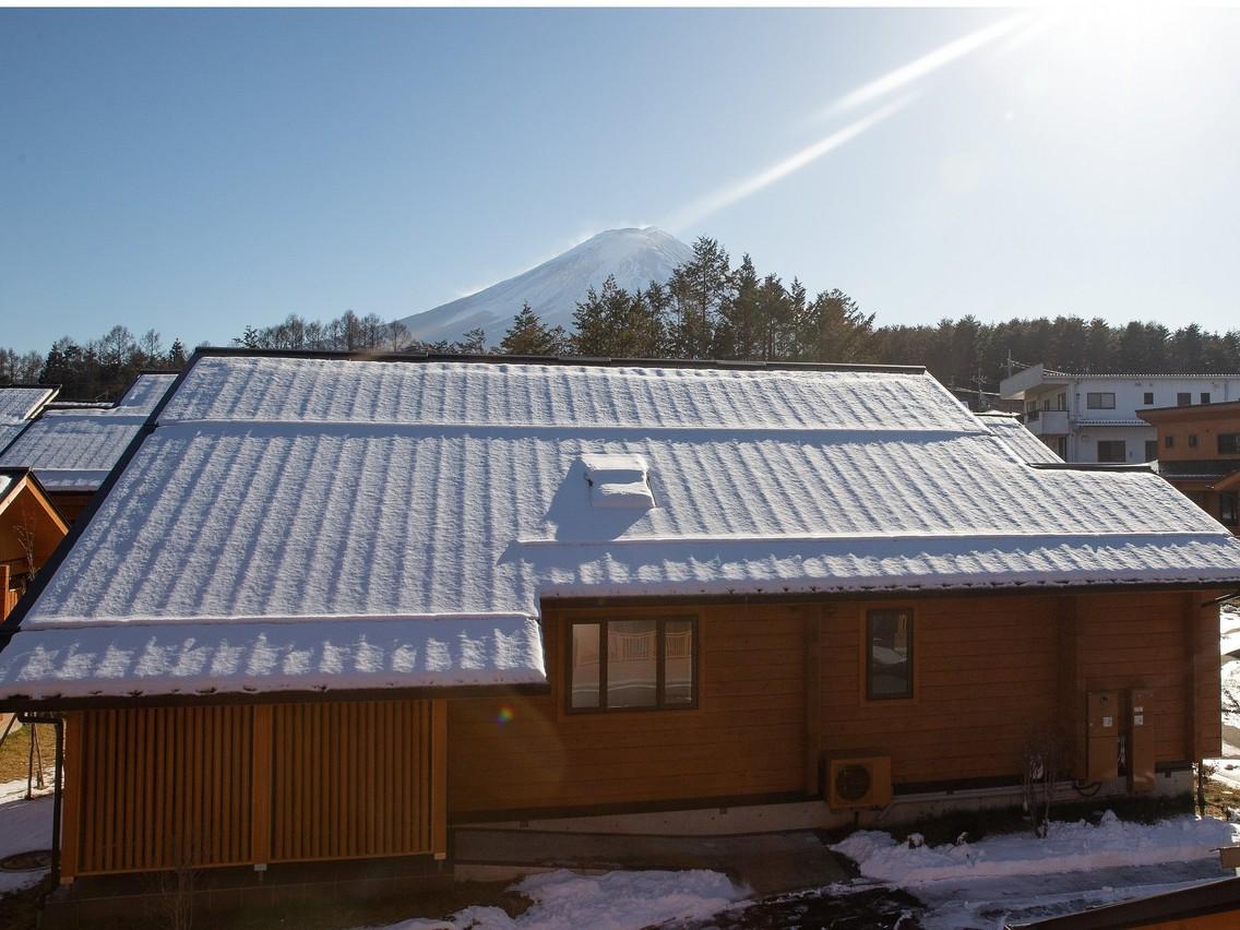 和洋ログハウス【7名様タイプ】から見える富士山(冬)