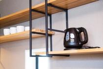 電気ポットとカップ【101号室】