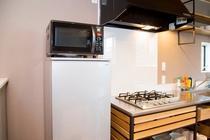 冷蔵庫と電子レンジ【101号室】