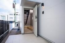入口【101号室】