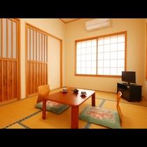 【和室】寛ぎの和室はお風呂にも近く段差が少ないお部屋