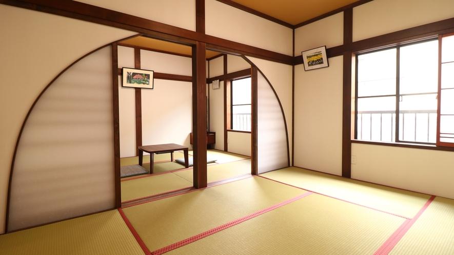 【広々和室12畳】壁には抗菌内装材を使用。お部屋の空気を清浄に保ちます