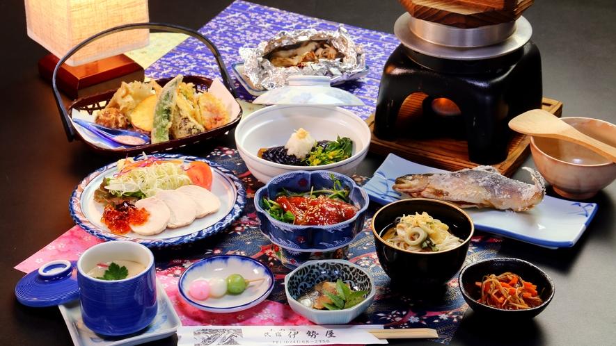 【夏の夕食コース一例】ジュレが涼しい蒸し鶏やそうめんなど夏を感じるコース