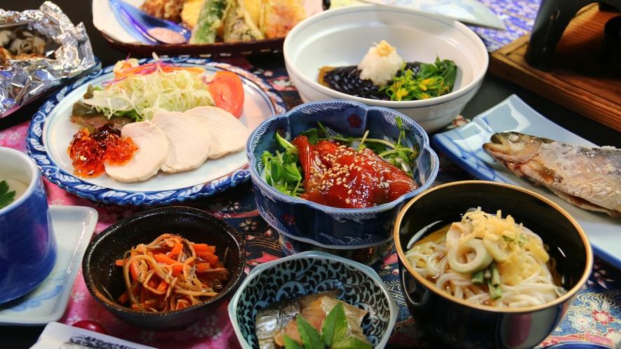 【夏の夕食】野菜がたっぷりとれるヘルシーな料理でありながら物足りなさを感じない味付けが会津料理の特徴