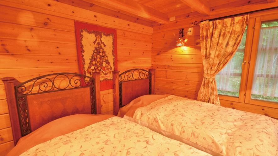 【白ログ】木の香りに包まれて落ち着くベッドルーム。