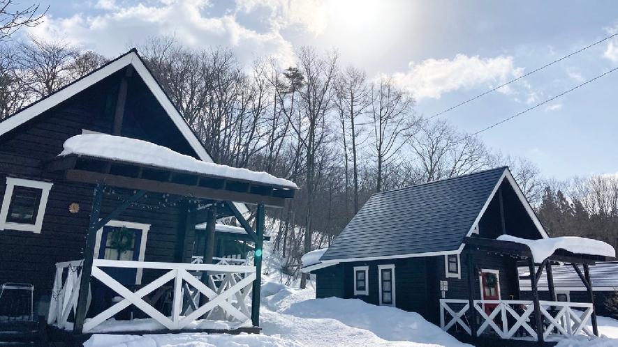 【赤&青ログ】クリスマスの国、フィンランドからやってきたログハウス。