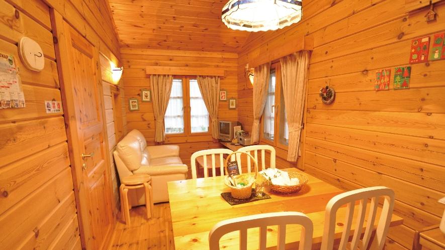【白ログ】 かわいいキッチン、調理器具や食器もそろっています。