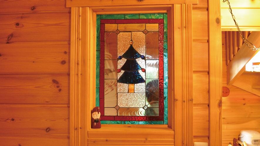 【赤&青ログ】手作りのステンドグラスでクリスマス気分。