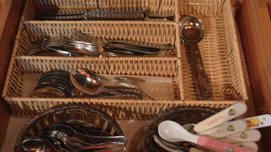 【備品】スプーン・お箸など充実。