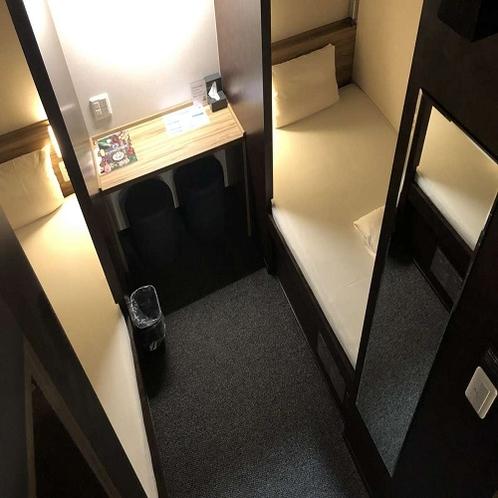 ◆各ベッド下にも、スーツケースを寝かせて収納できるダイヤル式BOXあります!