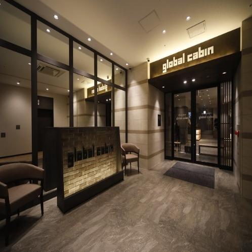 ◆館内入り口 エレベータを降りたらそのまま右手へ