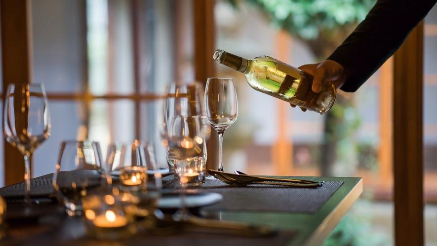 【お食事】お料理にあわせてドリンクをご提案。地酒も多く取り揃えております。