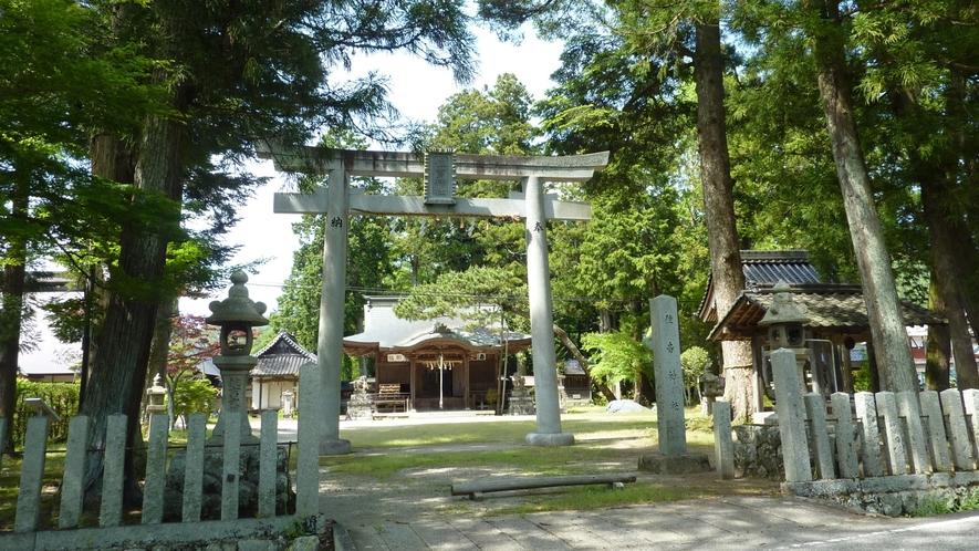 【周辺・住吉神社】7月下旬には、山車が奉納する「水無月祭」が行われます。
