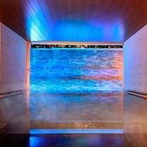 幻想的空間の大浴場