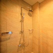露天風呂付ツインのシャワールーム