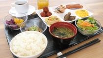 【朝食盛り付け例】