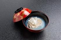 地元茨城県の海の幸を使用した吸い物