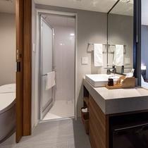 【レインシャワーダブル】バスルームとトイレが独立