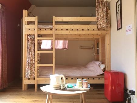 USJまで15分!2段ベッドの完全個室☆4人部屋B