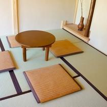 【貸切風呂】「千利休」茶室風お寛ぎスペース・脱衣所