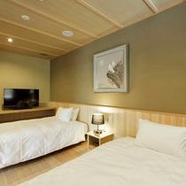【陶器露天風呂+檜風呂付き】スイートルーム『金梅』/ ウッドデッキテラスを備えた特別室。