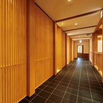 【フレンチレストラン パルテール】個室へ続く廊下