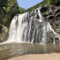大蛇伝説の地・龍門の滝