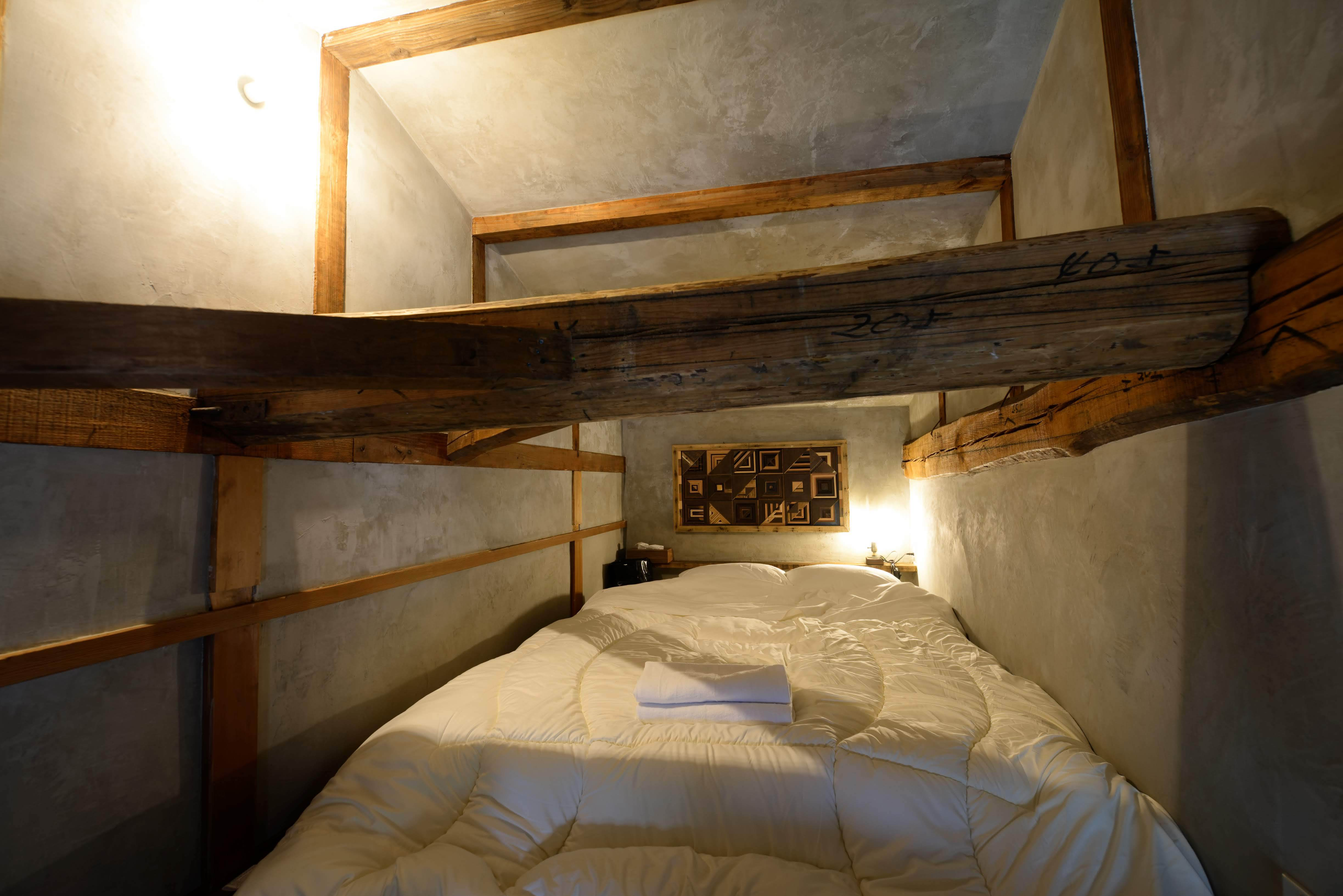 Double bed room (2F)